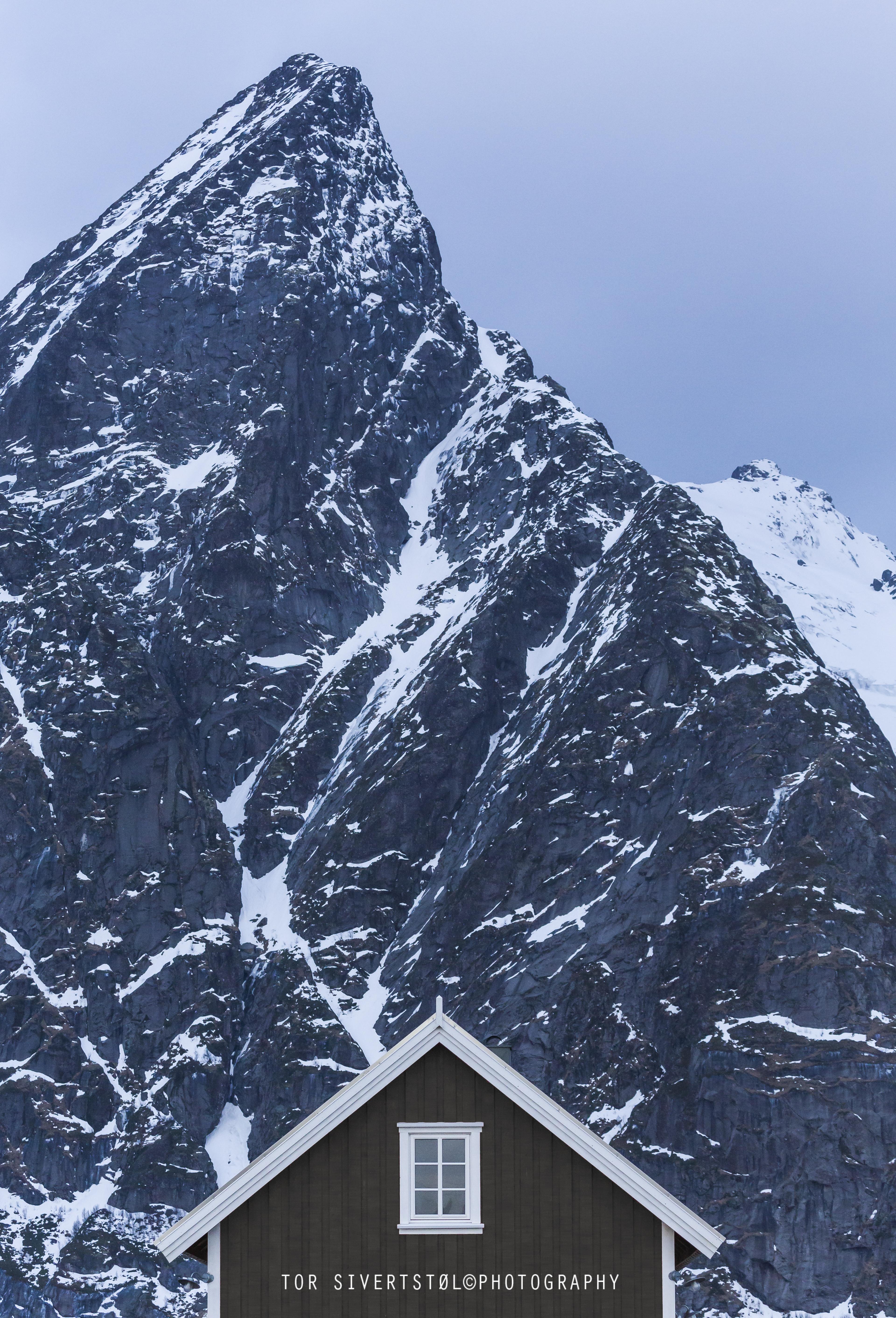 _V1A5427 hus fjell